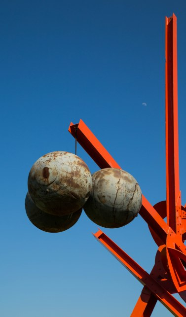 Steel Balls on Girder